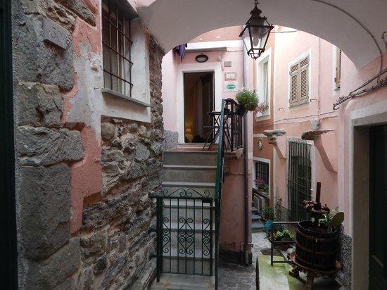 Armanda Affittacamere: The room entry