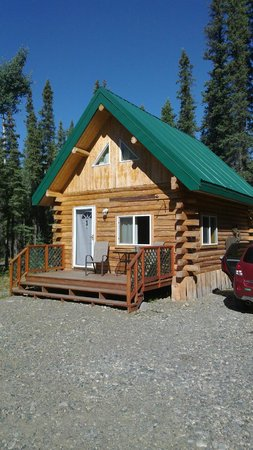 Caribou Cabins: Porch
