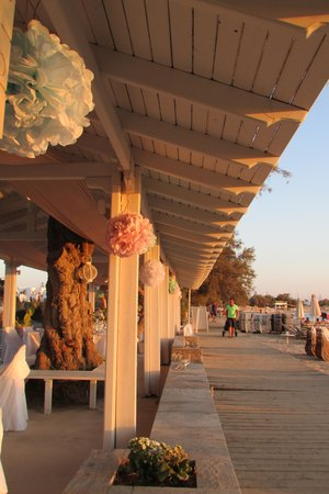Ippokampos Beach Restaurant: on the beach front