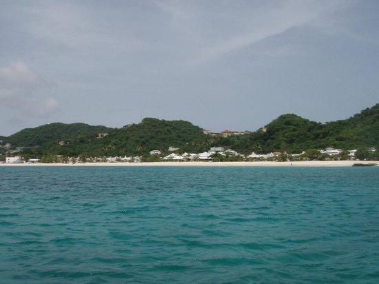 Spice Island Beach Resort: Spice Island from sea