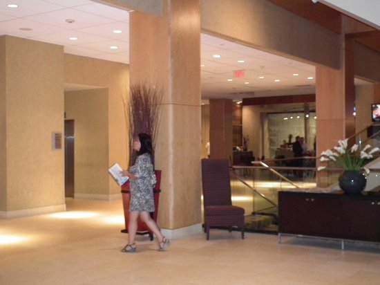 Hyatt Regency Morristown: Lobby view 2