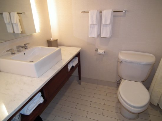 Hyatt Regency Morristown: Bathroom