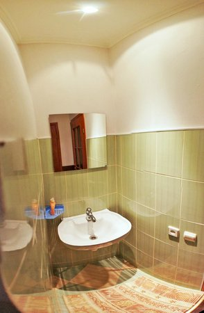 Chemodan Hostel: 2-ой душ на 1-ом этаже