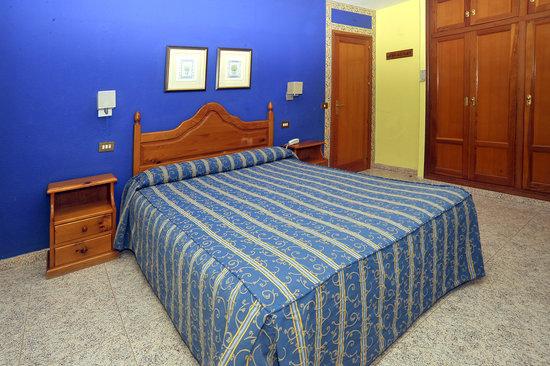 Apartamentos Torrecorinto : Hab.matrimonio