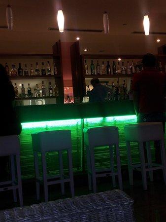Oceanis Hotel: main bar