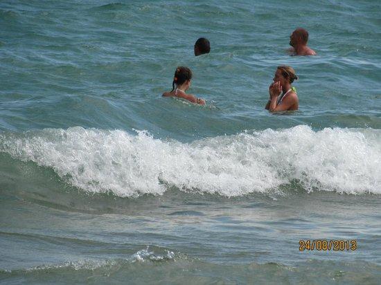 DIT Evrika Beach Club Hotel : Mer en face de l'hôtel