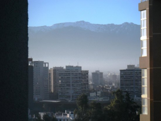 Museo De Artes Apartments: Vista do quarto. Los Andes!!!