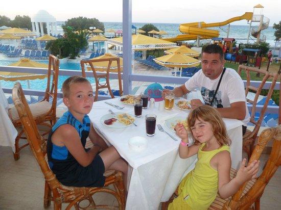 Mitsis Serita Beach Hotel : repas