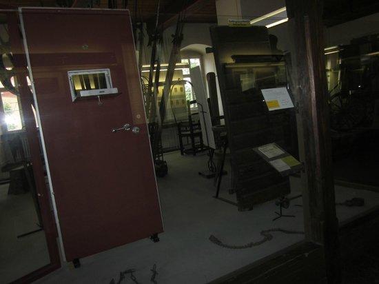 Medieval Crime Museum (Mittelalterliches Kriminalmuseum): prisoner doors