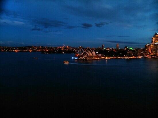 Opera Australia: Opera House at night