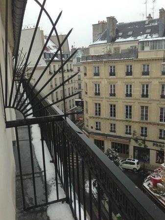 Pavillon Opera Bourse: Зима в Париже