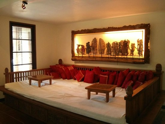 Puri Candikuning Retreat: One of the many daybeds!