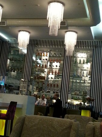 DoubleTree by Hilton Cape Town - Upper Eastside: Cafeteria