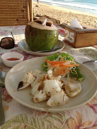 Clear House Guest House: Fantastic food on the beach
