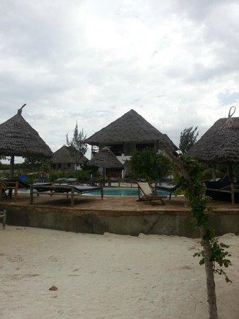 Mbuyuni Beach Village: pool area