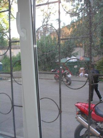Super Hostel on Lebedeva 10 : Вид из окна номера