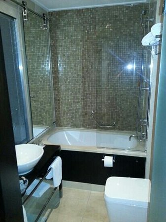 Quentin Design hotel: bathroom