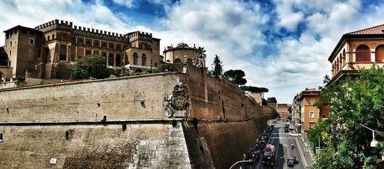 B&B Quovadis Roma 2 : La vista dalla finestra !!