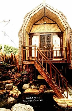 Sasak Bungalows: This is bale sasak orifinal house from lombok long time ago..