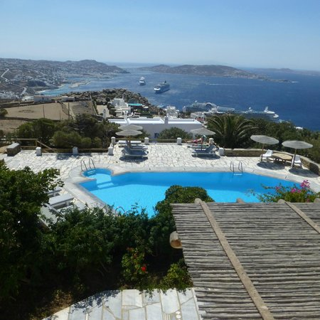 Agnandi Homes and Studios: piscina panoramica