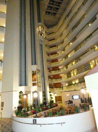 Embassy Suites by Hilton Secaucus - Meadowlands: elevador panorâmico