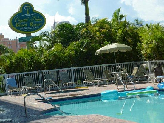 Crystal Palms Beach Resort: Crystal Palms Resort pool area