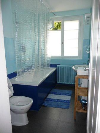 Pension Villa Maria: bathroom