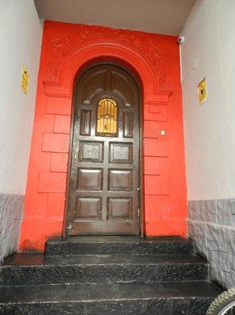 LOKI Lima: Porta de entrada. Muito convidativa.