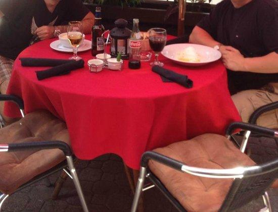 La Vendetta: Outdoor seating