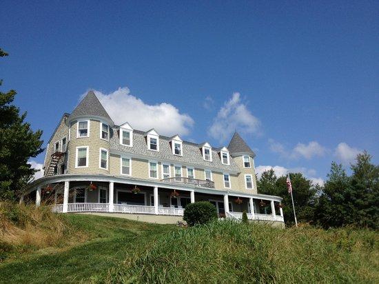 Grey Havens Inn : Back view of the inn