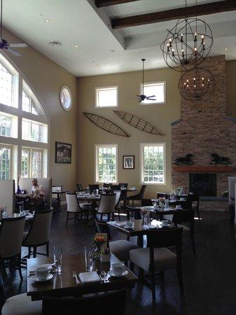 The Tavern at Diamond Mills : Tavern's interior