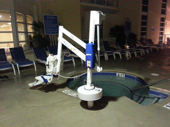 Wyndham Ocean Boulevard: handicap lift