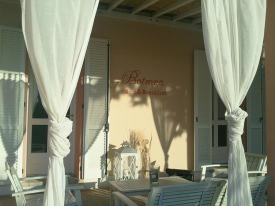 Bed and Breakfast Botrona: portico del Botrona