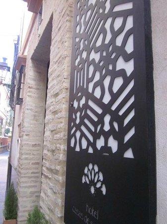 Hotel Boutique Casas de Santa Cruz: Front Entrance on Calle Pimienta