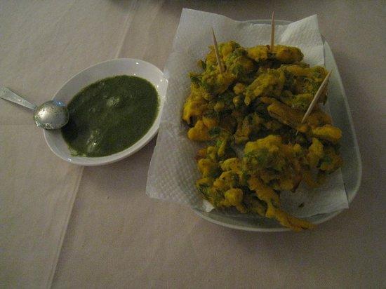 Lyn's Thandoori Restaurant: mixed pakora