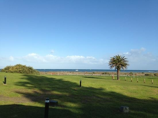 NRMA Victor Harbor Beachfront Holiday Park : view from waterfront villa