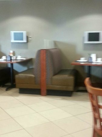 Holiday Inn Manassas - Battlefield: BOOTH SEATING ALSO
