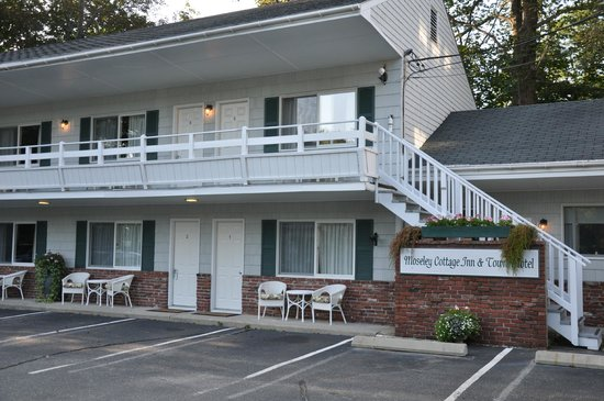 Moseley Cottage Inn and Town Motel : Moseley Town Motel