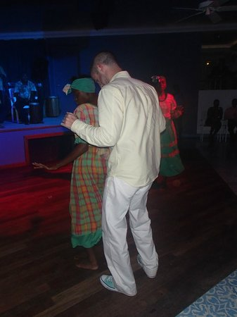 Couples Tower Isle: dancers get the crowd involved