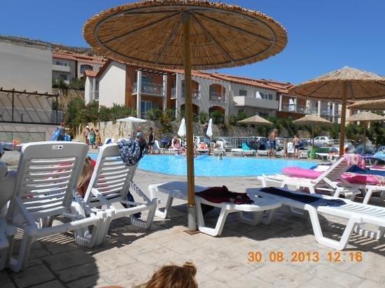 Cyprotel Kefalonia Garden Village: vista da piscina