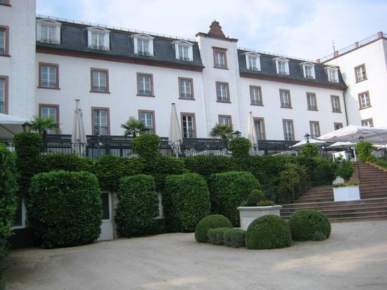 hotelansicht picture of hotel schloss reinhartshausen eltville am rhein tripadvisor. Black Bedroom Furniture Sets. Home Design Ideas