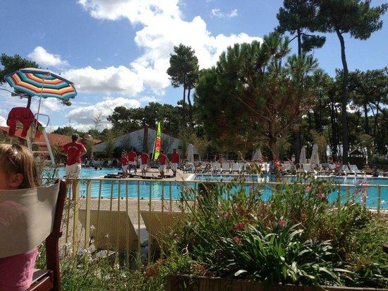 Club Med La Palmyre Atlantique : les GO autour de la piscine