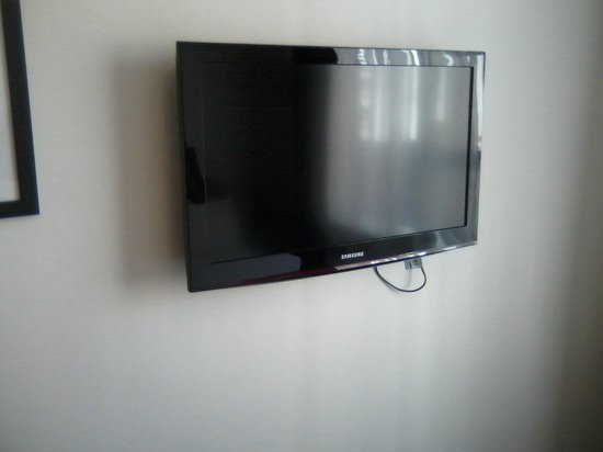 Pensione Hotel Perth: Flat screen TV in room
