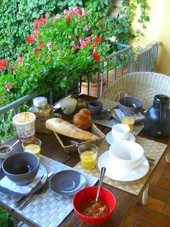 Chez Marie: A breakfast setting