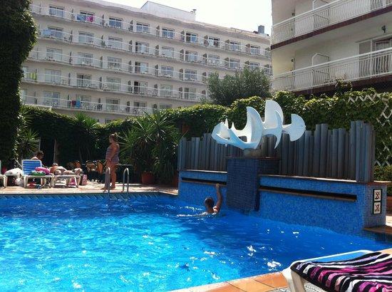 Xaine Park Hotel : piscine