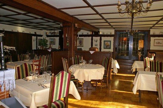 Hostellerie Belle Vue : Salle de restaurant