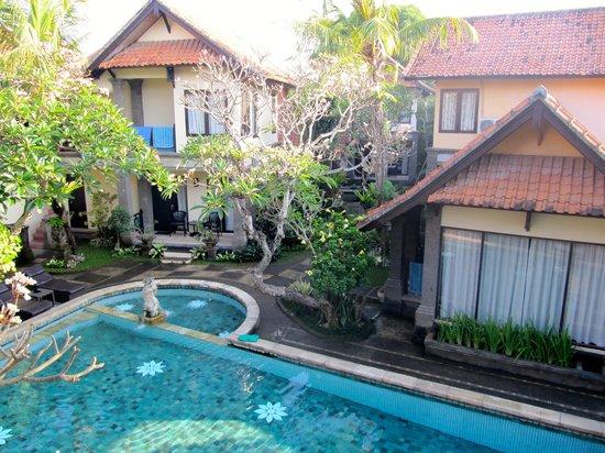 Puri Mesari Hotel & Suites: Vista dalla camera 222
