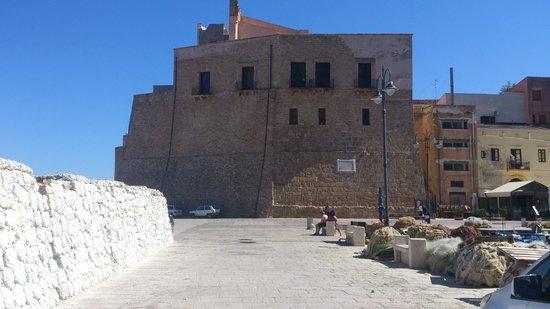 Aziyz Camere: il Castello