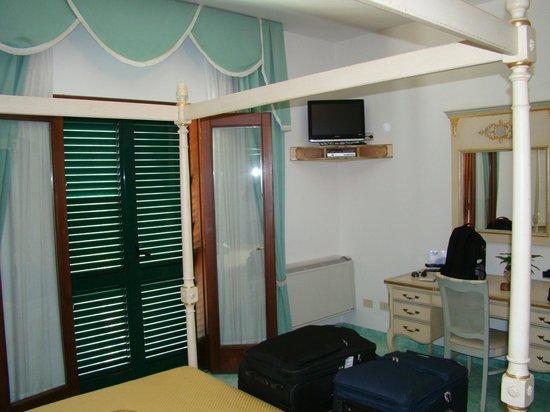 Royal Prisco Hotel: Room