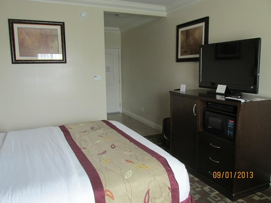 La Quinta Inn & Suites Moreno Valley : 2nd stay here pictures taken Sept 1, 2013